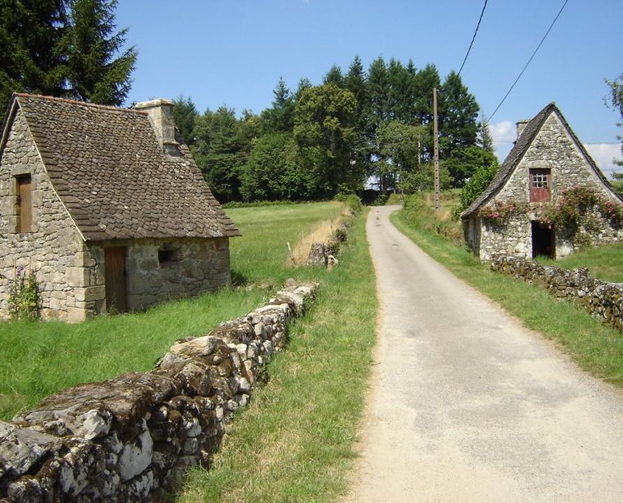 Circuits randonnée pédestre - Lamativie (Sousceyrac-en-Quercy) - Circuit au Pays des Verriers - 7km (architecture rurale de Lamativie)