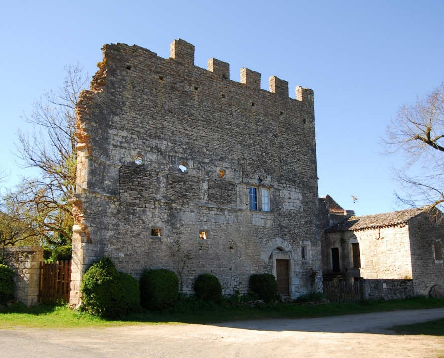 Châteaux & Fortifications - Aujols - Château (bourg) - -