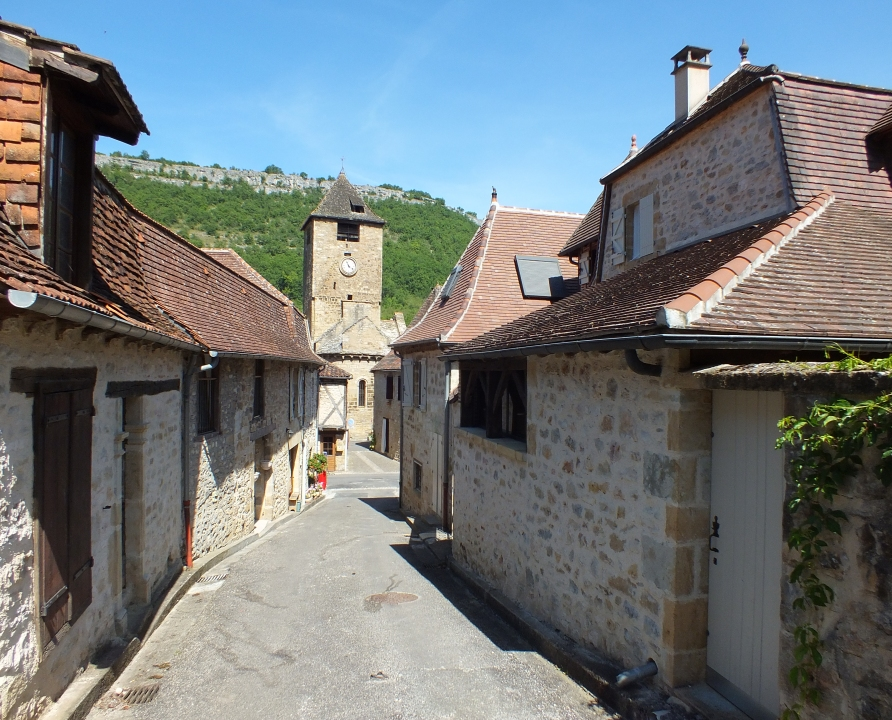Autoire   Un Village Dans Son  U00e9crin De Falaises