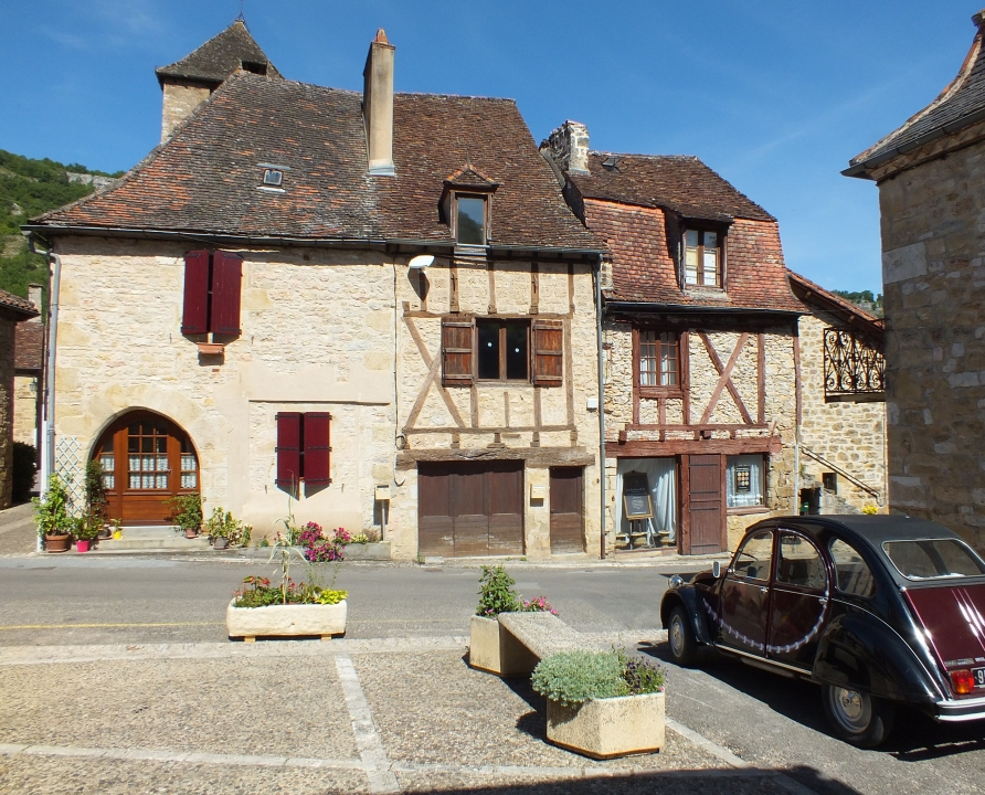 Demeures & manoirs - Autoire - Les belles demeures du bourg -