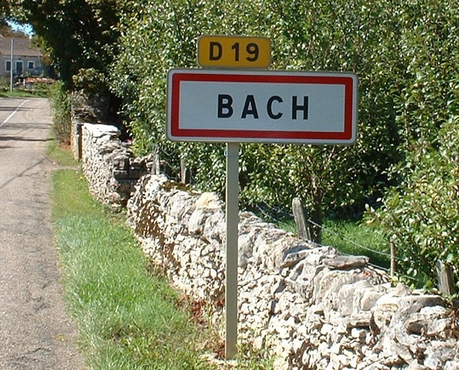 Communes - Bach - - Panneau du village de Bach