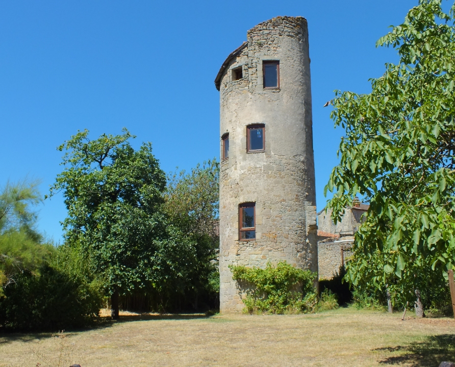 Maisons & demeures - Cardaillac - Tour ronde (bourg) - -