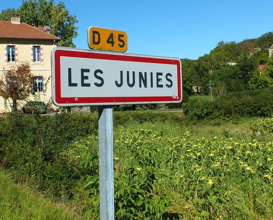 Communes - Les Junies - - - Panneau du village des Junies