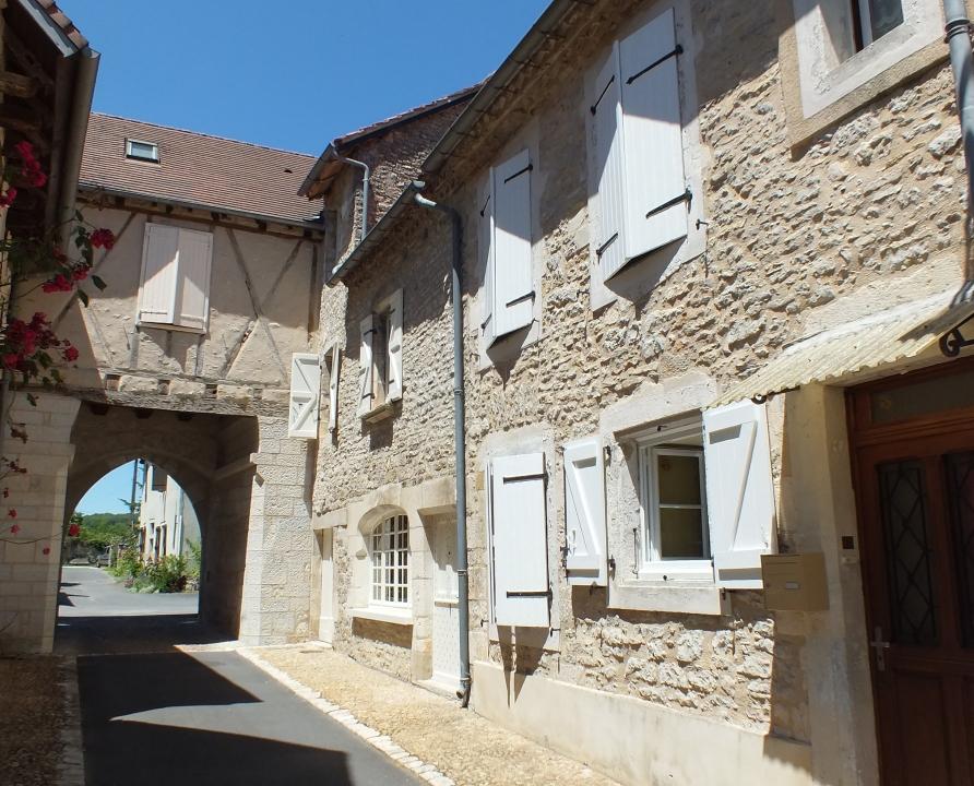 Circuits randonnée pédestre - Martel - Circuit Histoire d'Eau au Pays des Pierres - 11km (Rue du Barri de Brive)