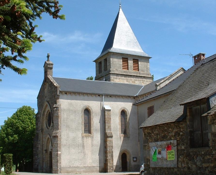 Circuits randonnée pédestre - Sainte-Colombe - Balade aux Deux Moulins - 9km (église de Sainte-Colombe)