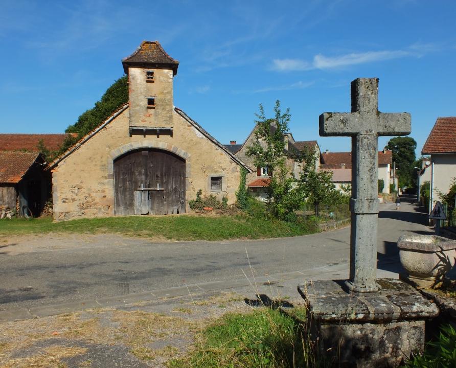 Circuits randonnée pédestre - Saint-Jean-Lagineste - Circuit le Mont St Joseph - 6km (Le bourg de Saint-Jean-Lagineste)