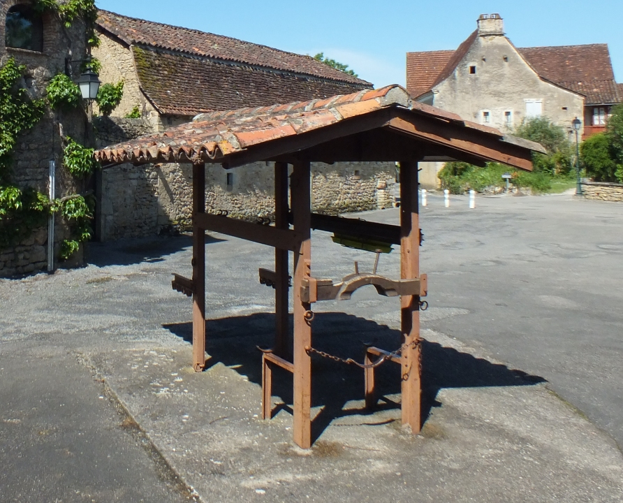 Outils du Passé - Saint-Jean-Lespinasse - Travail à ferrer -