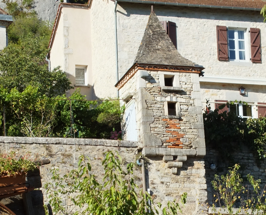 Pigeonniers & Colombiers - Saint-Sulpice - Vieux pigeonnier (bourg) -