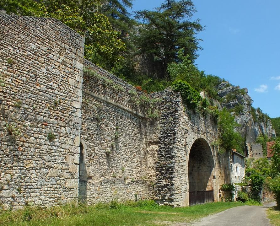 Châteaux & Fortifications - Saint-Sulpice - Vestiges du Château de Saint-Sulpice -