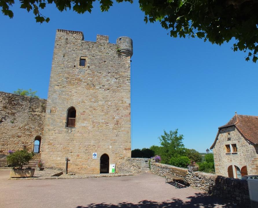 Châteaux & Fortifications - Capdenac - Le donjon ou la tour de Modon (Capdenac-le-haut) -