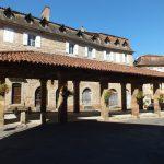 Lacapelle-Marival. La halle du XVe siècle