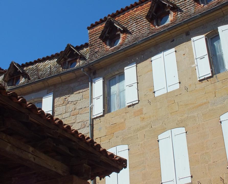 Demeures & manoirs - Lacapelle-Marival - Belles demeures (Place de la Halle) -