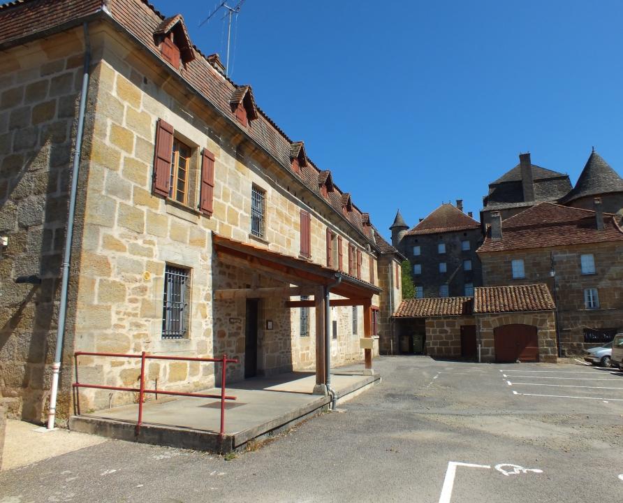 Demeures & manoirs - Lacapelle-Marival - Presbytère & Bureau de Poste (Rue du Château) -