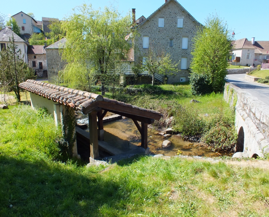 Lavoirs - Comiac (Sousceyrac-en-Quercy) - Lavoir (bourg) -