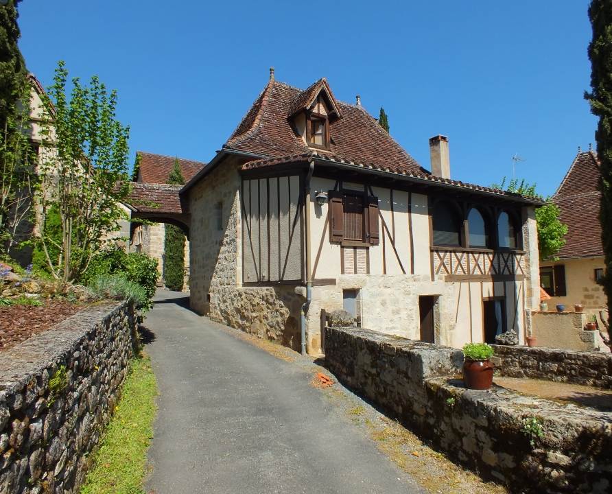Demeures & Manoirs - Issepts - Belles demeures (bourg) -