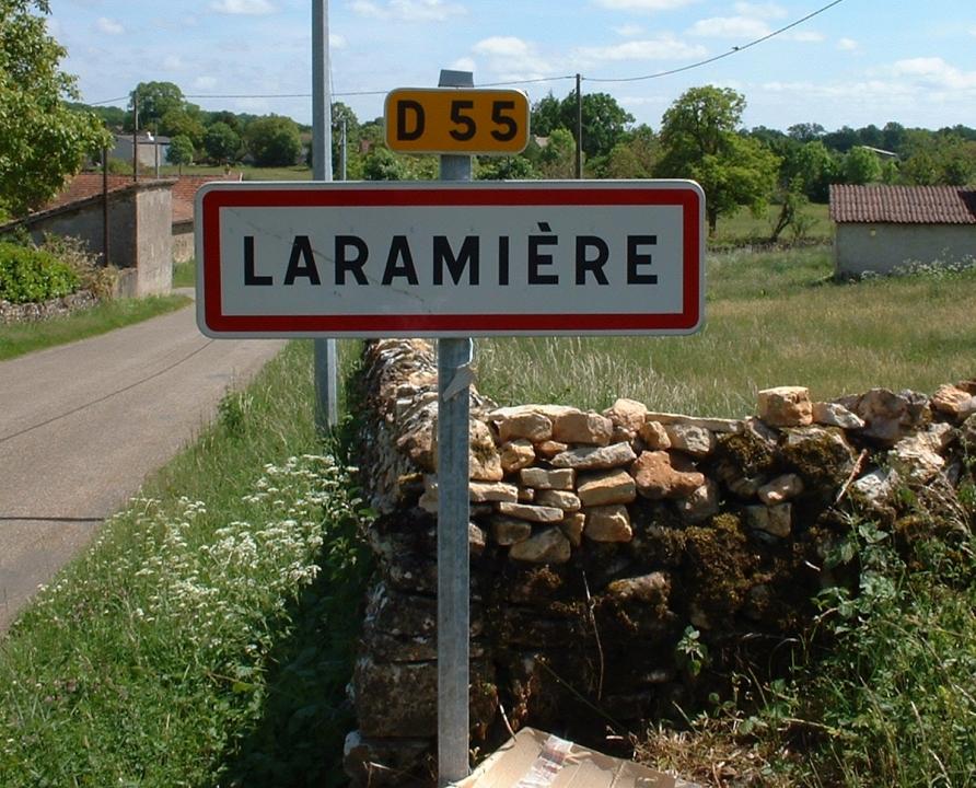 Communes - Laramière - - Panneau du village de Laramière
