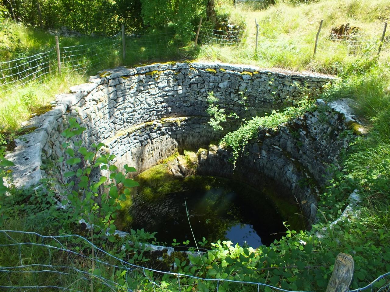 Fontaines & Puits - Marcilhac-sur-Célé - Le puits romain de La Voulte -