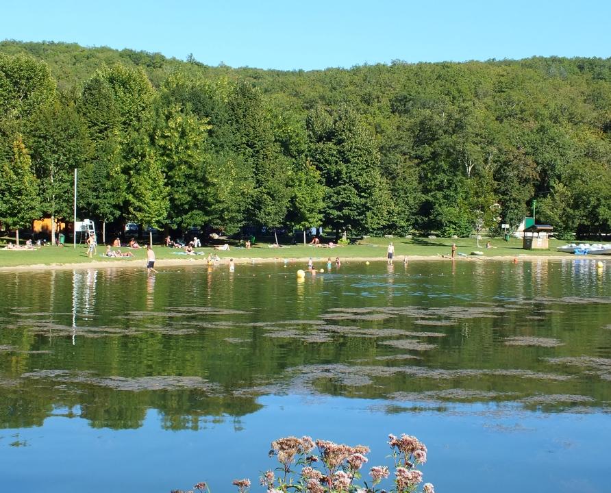 Baignade en eau douce - Catus - Le lac vert -