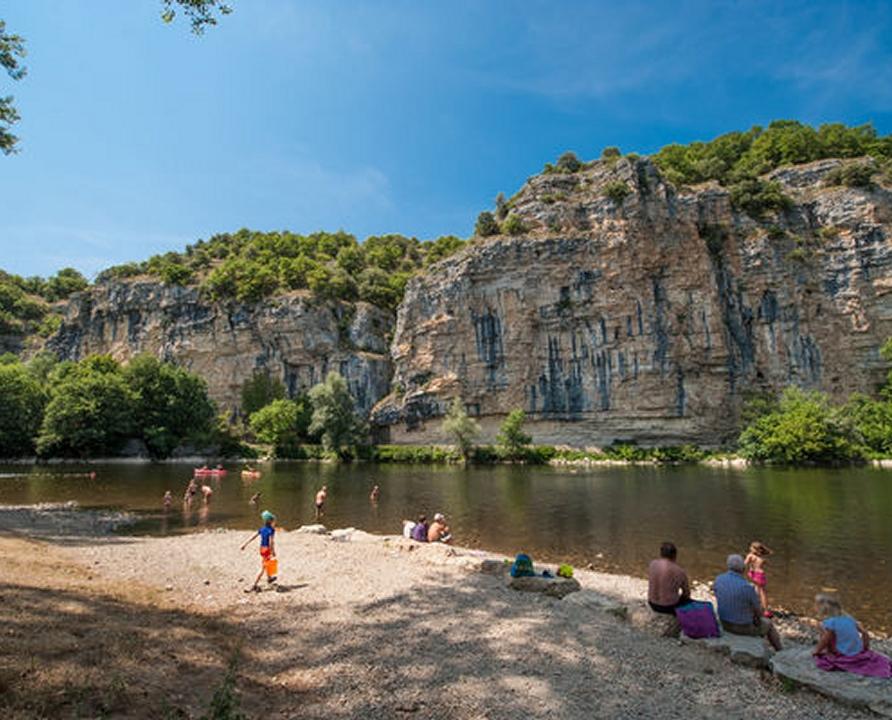 Baignade en eau douce - Montvalent - La dordogne près du pont de Gluges -