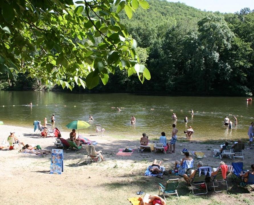 Baignade en eau douce - Puy-l'Evêque - Le Lot au camping des vignes -