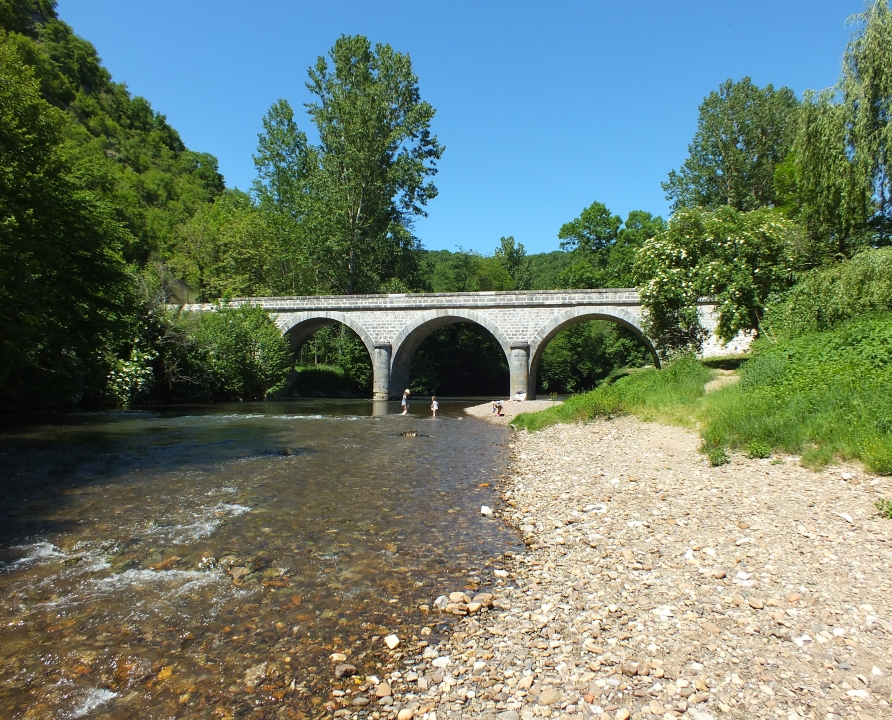 Baignade en eau douce - Espagnac-Sainte-Eulalie - Le célé au pont d'Espagnac -