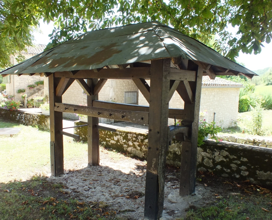 Outils du Passé - Sainte-Croix - Travail à ferrer (bourg) -