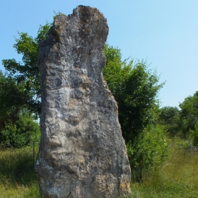 LOT'refois - Photo 2013 - Livernon - Menhir de Bélinac
