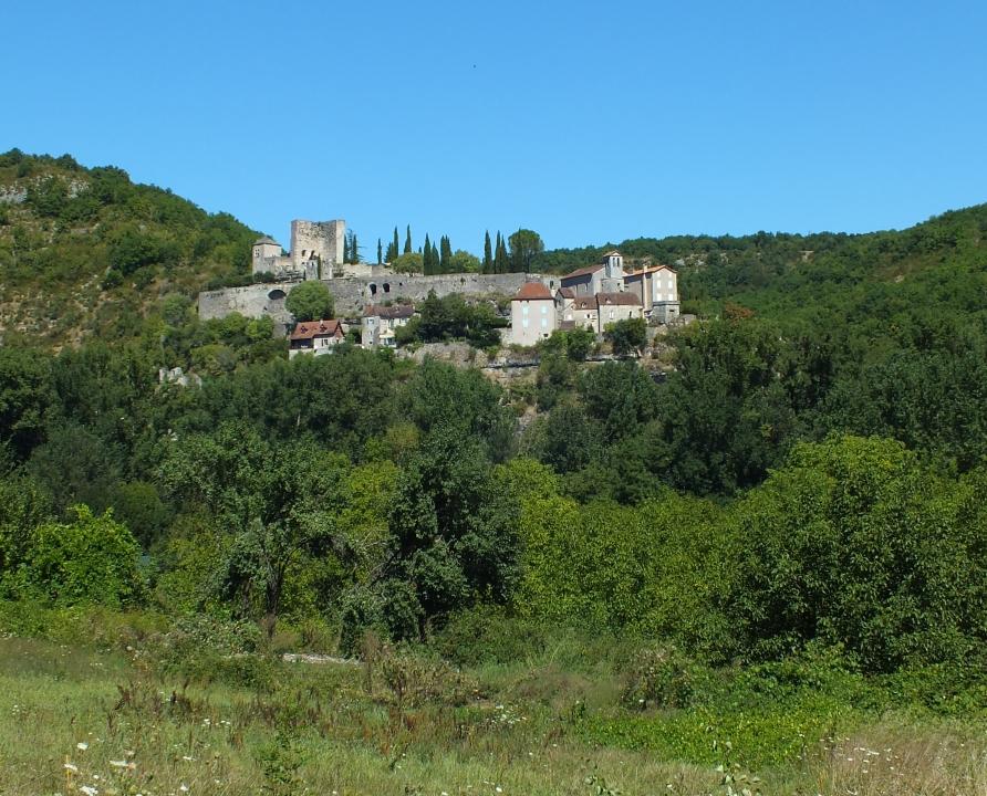 Points de vue - Montbrun - Point de vue sur Montbrun depuis Saujac (Aveyron) -