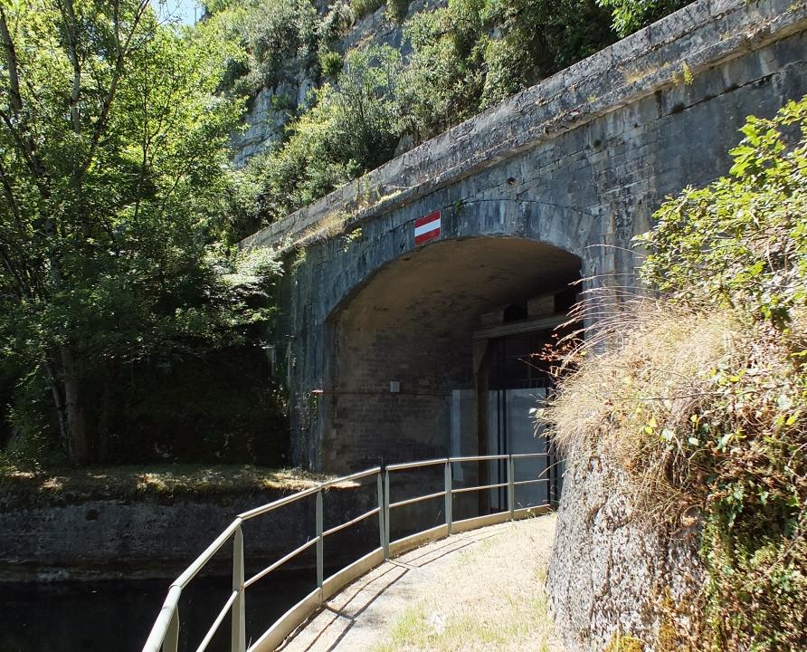 Écluses & Chaussées - Montbrun - Ancien canal sous voûte -