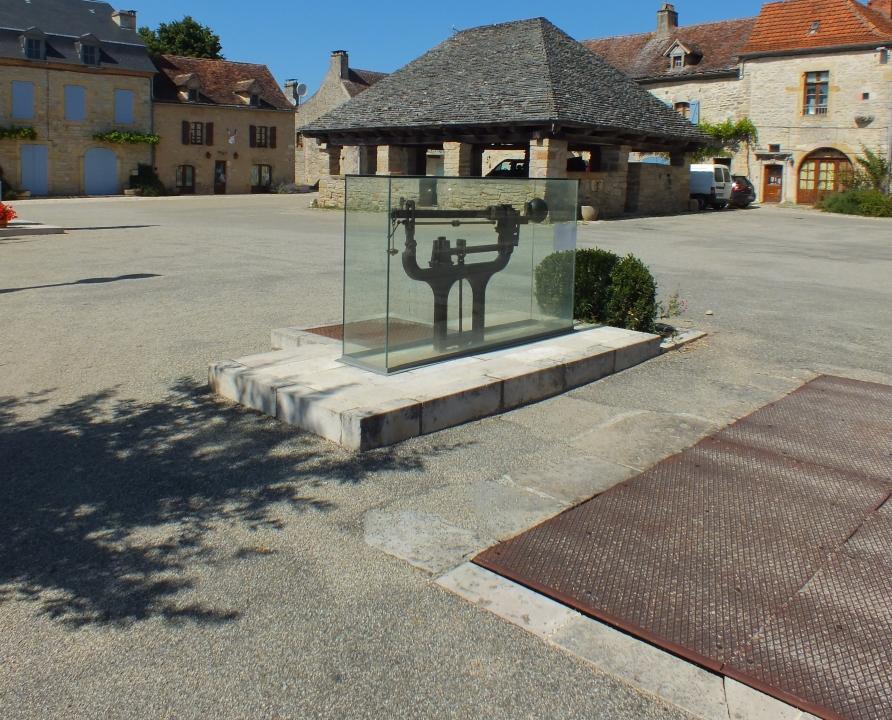 Outils du Passé - Beauregard - Pont-bascule (bourg) -