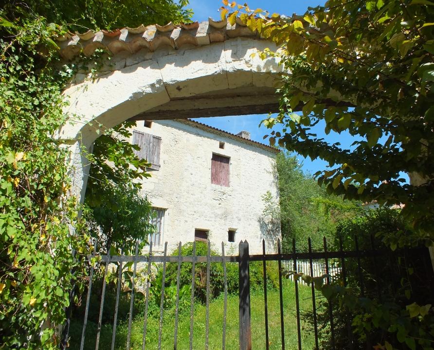 Demeures & Manoirs - Belmontet (Montcuq-en-Quercy-Blanc) - Belles demeures (bourg) -