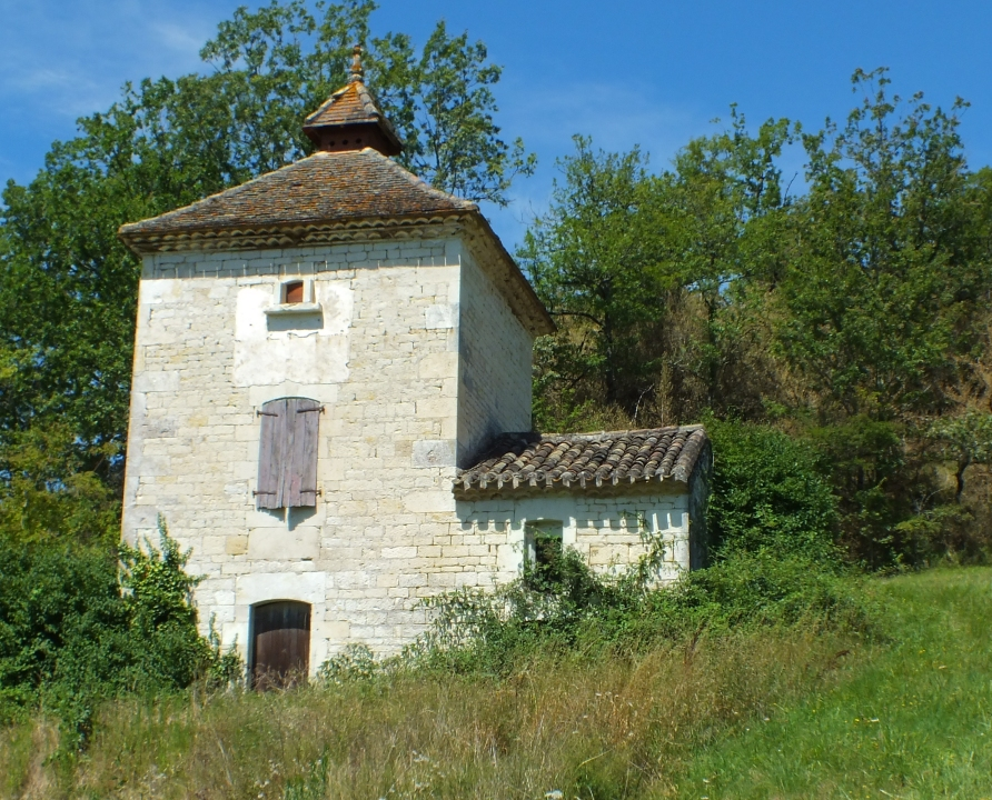 Pigeonniers & Colombiers - Belmontet (Montcuq-en-Quercy-Blanc) - Joli pigeonnier (bourg) -