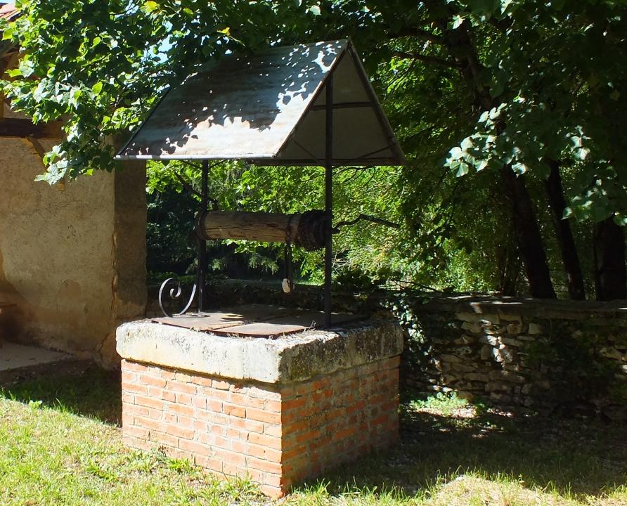 Fontaines & Puits - Blars - Le puits de la mairie (bourg) -