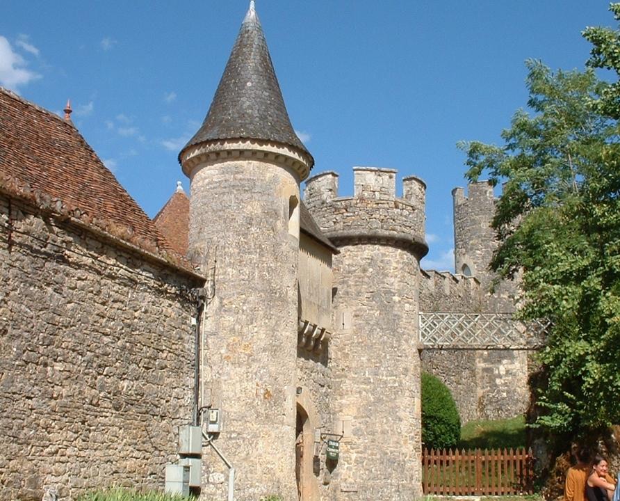 Châteaux & Fortifications - Cénevières - Château de Cénevières -