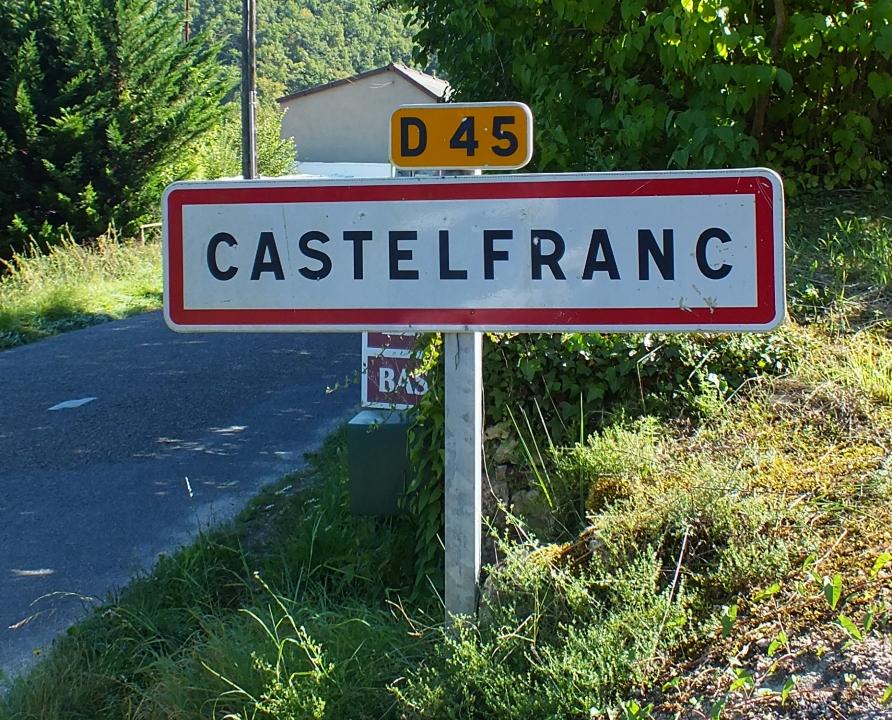 Communes - Castelfranc - - Panneau du village de Castelfranc