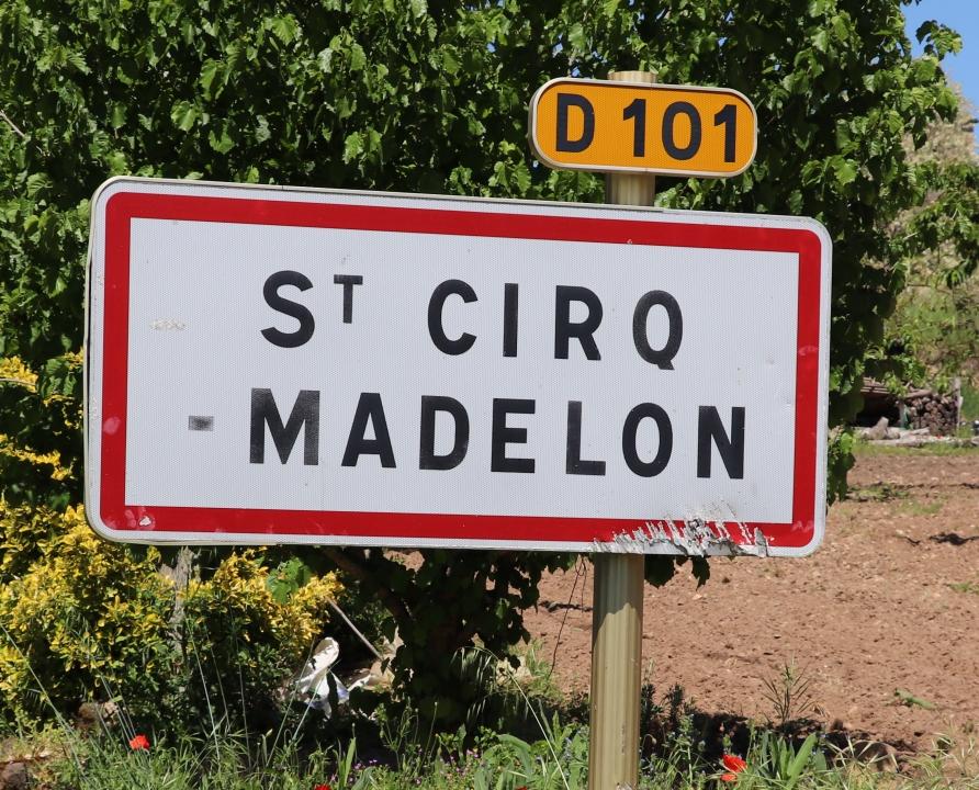 Communes - Saint-Cirq-Madelon - - Panneau du village de Saint-Cirq-Madelon