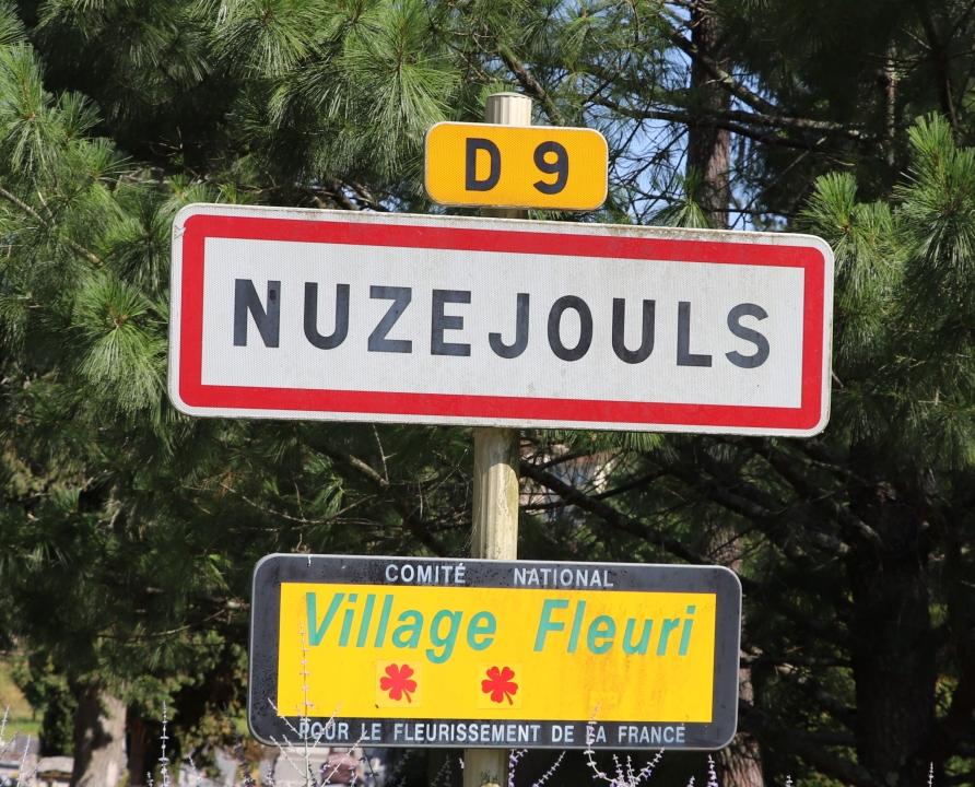Communes - Nuzéjouls - - Panneau du village de Nuzéjouls