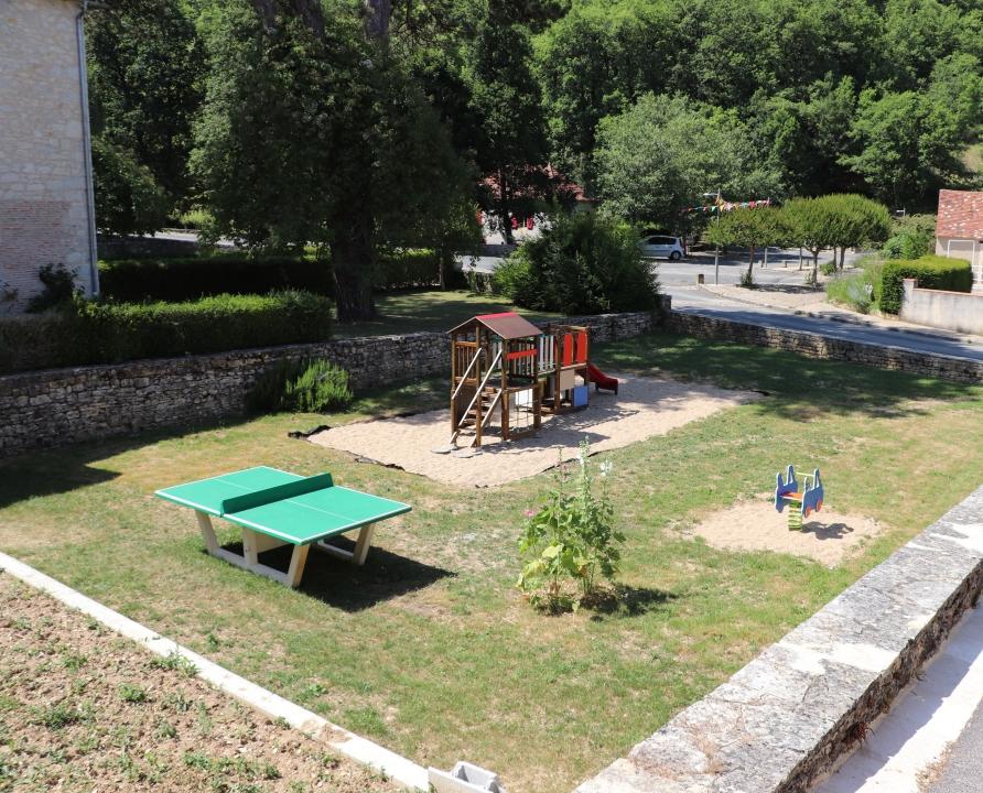 Parcs & Jardins - Nuzéjouls - Aire de Jeux (bourg) -