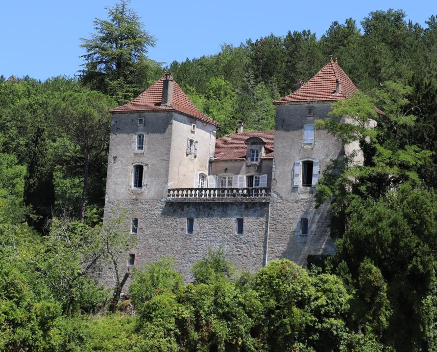 Châteaux & Fortifications - Saint-Vincent-Rive d'Olt - Château (bourg) -