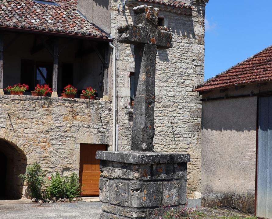 Croix de Chemin & Calvaires - Saint-Vincent-Rive d'Olt - Calvaire (Roques) -