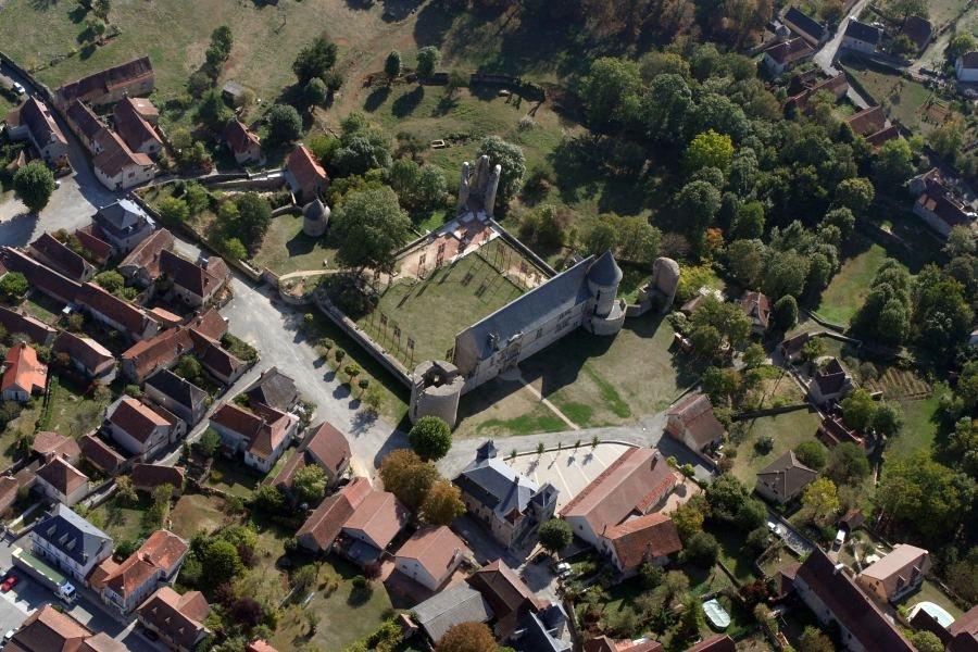 Château d'Assier en 2009 - Vue aérienne - Auteur : Philippe DUFOUR