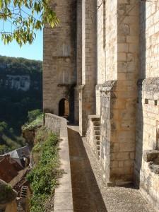 Rocamadour. Chemin de Ronde en bas du Sanctuaire 2 - Auteur : Yann LESELLIER