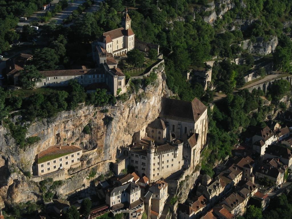 Rocamadour-Remparts-Château-Sanctuaire-01--Damien-Bouyssi