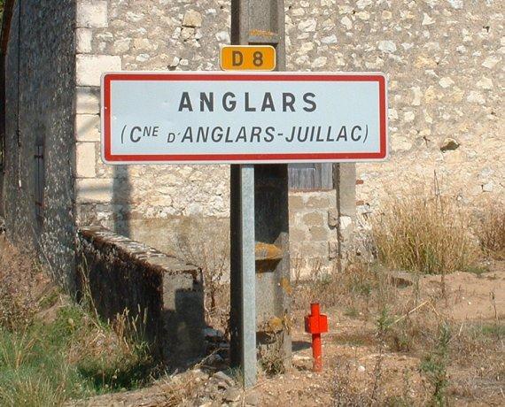 Panneau du village d'Anglars-Juillac