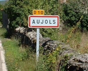 Panneau du village d'Aujols