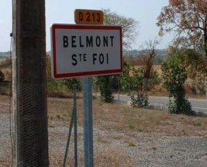 Panneau du village de Belmont-Sainte-Foi