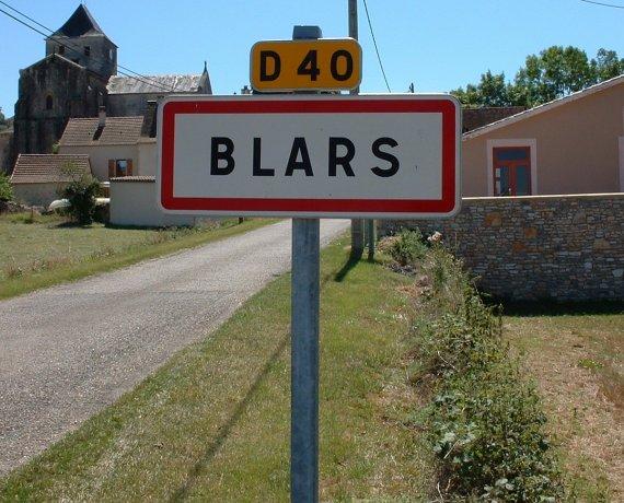 Panneau du village de Blars