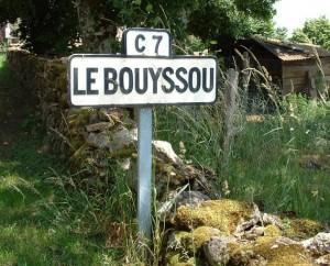 Panneau du village du Bouyssou