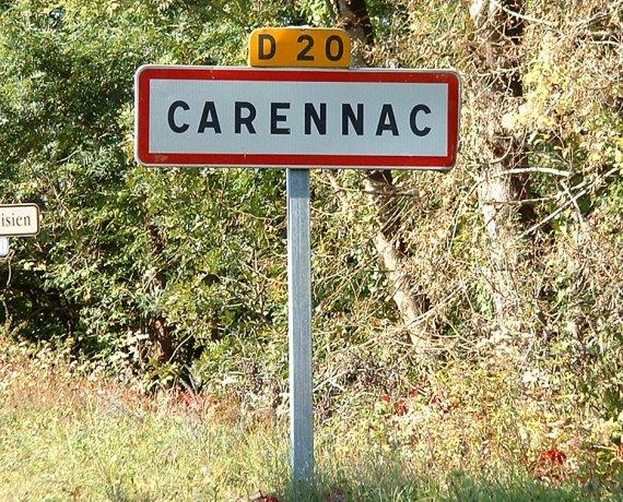 Panneau du village de Carennac dans le Lot