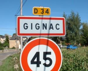 Panneau du village de Gignac dans le Lot